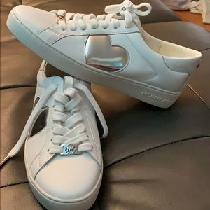 Micheal kors white and silver sneaker